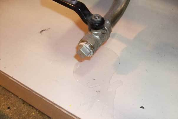 Clean-and-check-example-Spot-the-leak